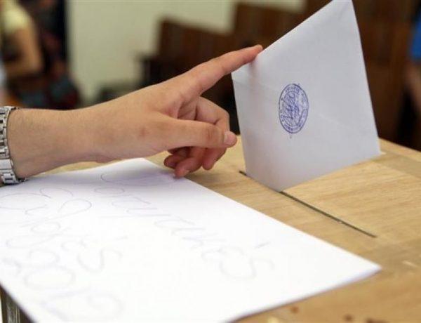 Πότε θα πάψει η δεξιά στροφή των κεντρώων ψηφοφόρων;