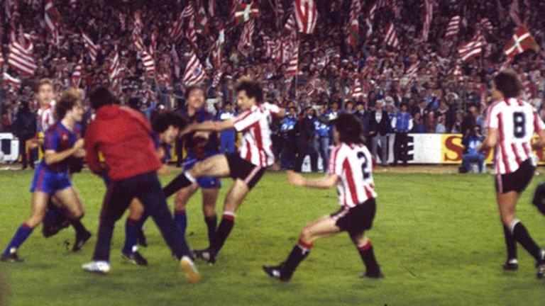 Αθλέτικ Μπιλμπάο – Μπαρτσελόνα. Το νταμπλ του '84, ο Μαραντόνα και το ξύλο