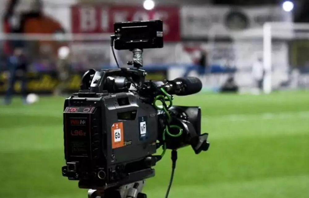 Cosmote TV και τηλεοπτικά Super League. Τι ισχύει και τι όχι