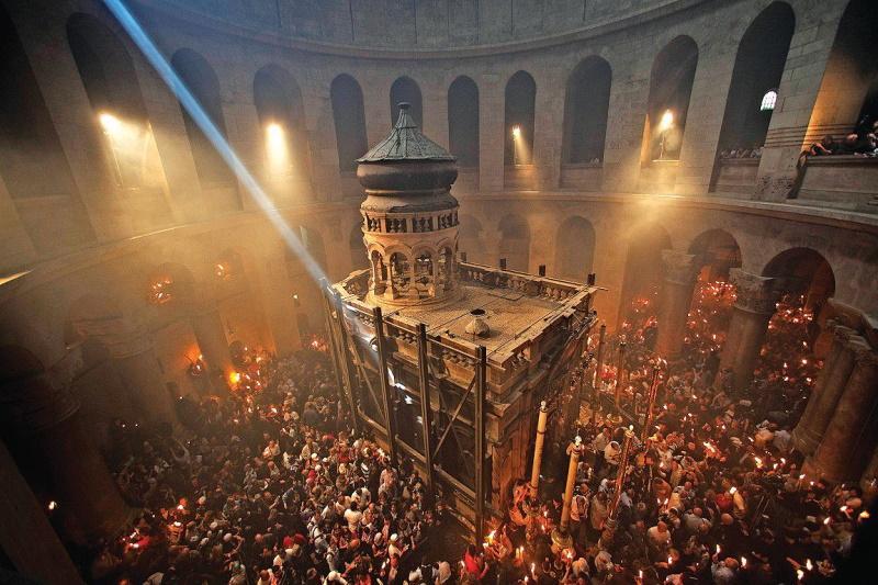 Ποιος έφερε το Αγιο Φως στην Ελλάδα; Μα φυσικά το ΠΑΣΟΚ…