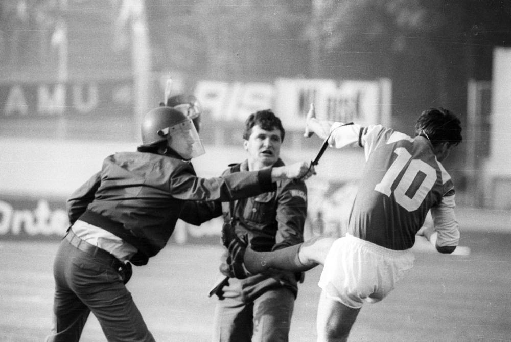 Ντινάμο Ζάγκρεμπ - Ερυθρός Αστέρας. Ο εμφύλιος στη Γιουγκοσλαβία ξεκίνησε από μια κλωτσιά...